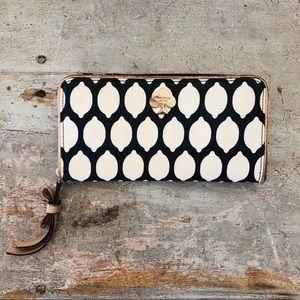 ♥️ Kate Spade ♥️ Navy Blue & Cream Wallet